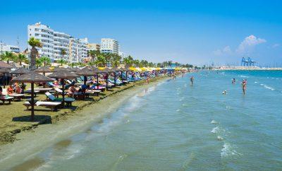 Finikoudes – The popular main strip in Larnaca